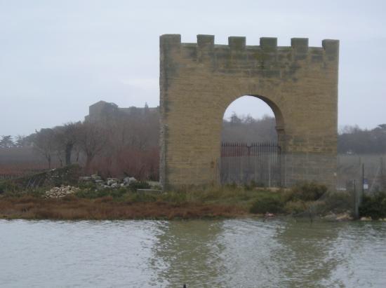 La porte de Maguelone